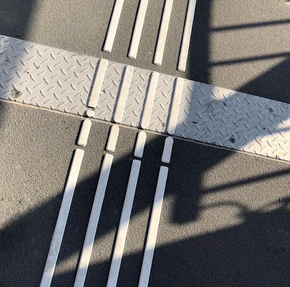 linie prowadzące dla niewidomych