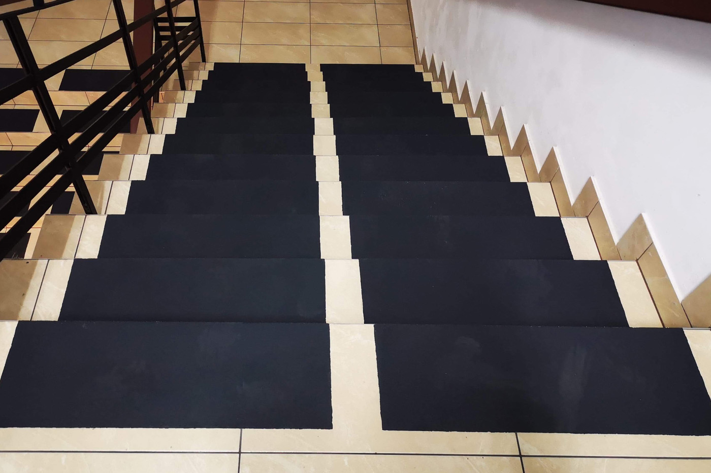 Pasy antypoślizgowe na schody INNOVARE